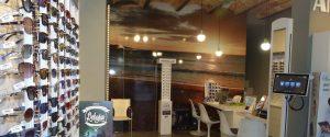 Interior de la óptica de la calle Castelao de O Grove
